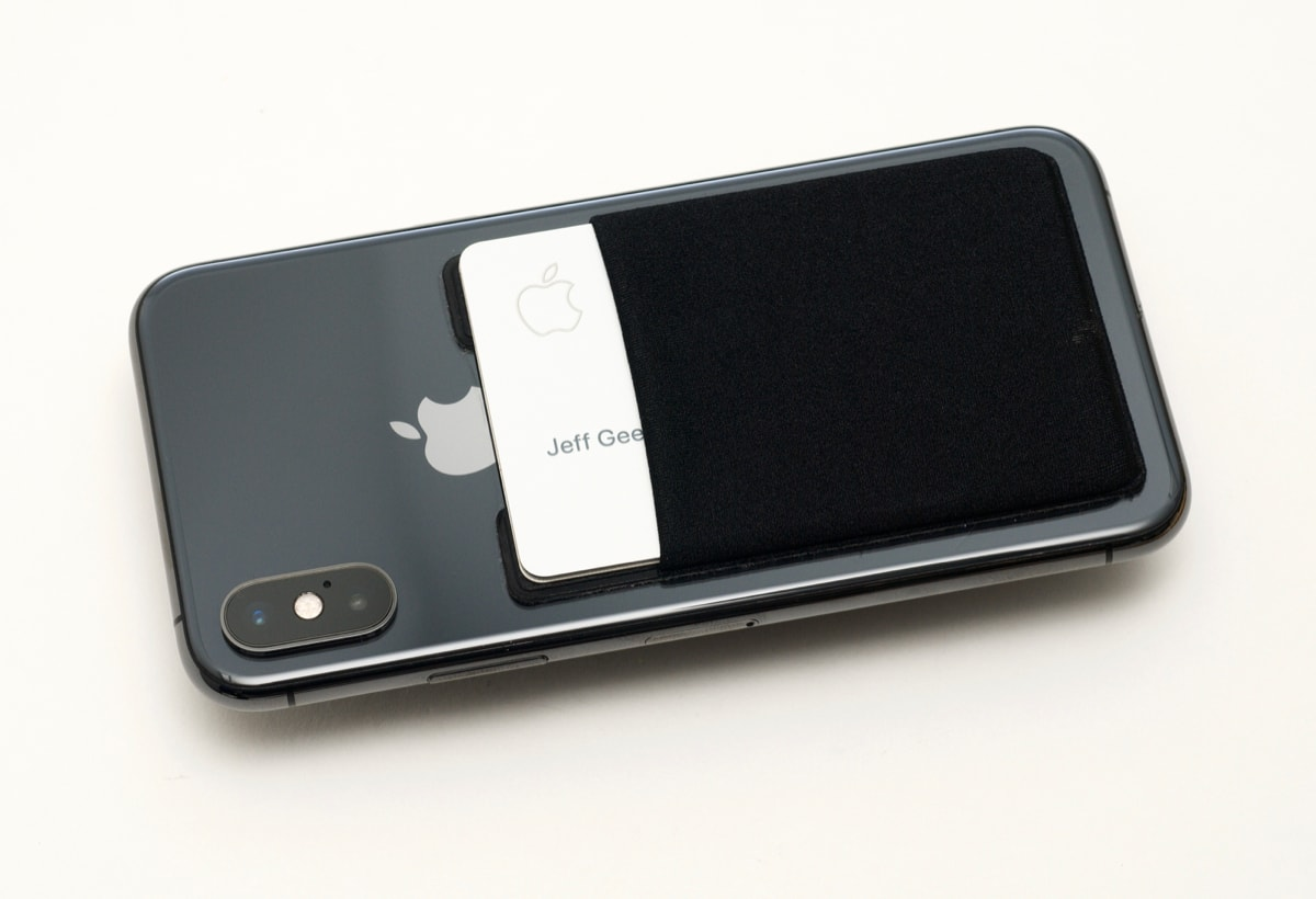 Apple Card in sleeve blocks Qi wireless charging on iPhone