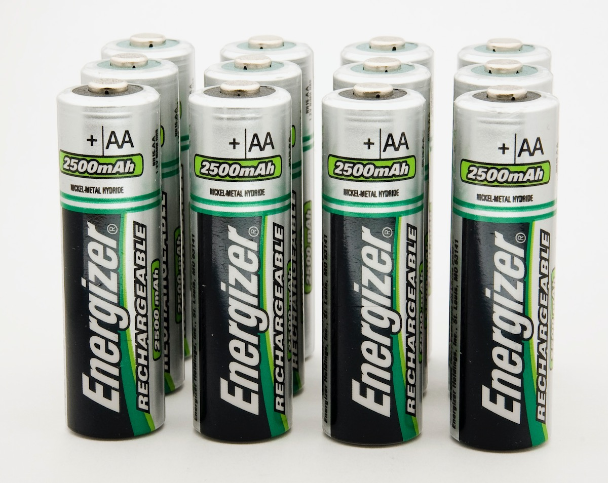 Rechargeable batteries included energizer
