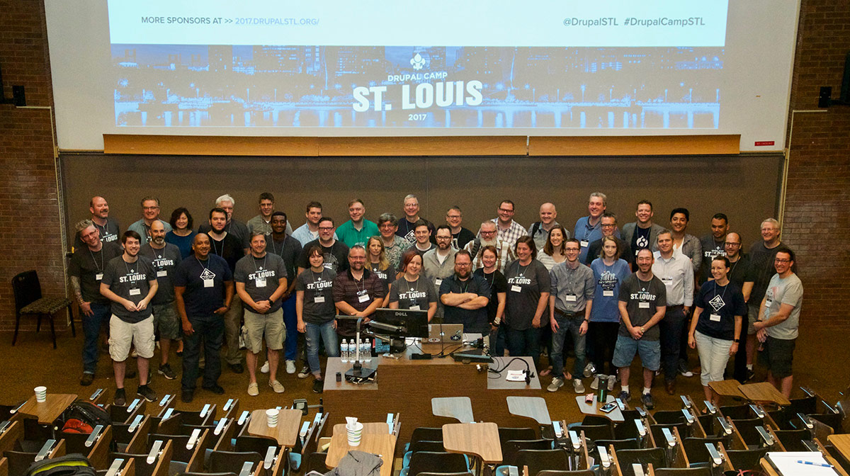 Drupal Camp St. Louis 2017 participants - group photo after Keynote
