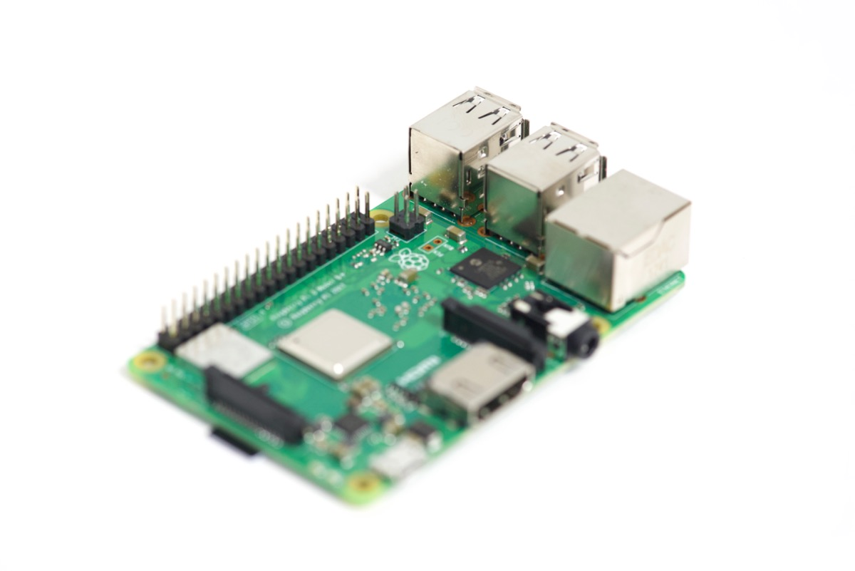 Raspberry Pi focus stack last image focused on USB ports