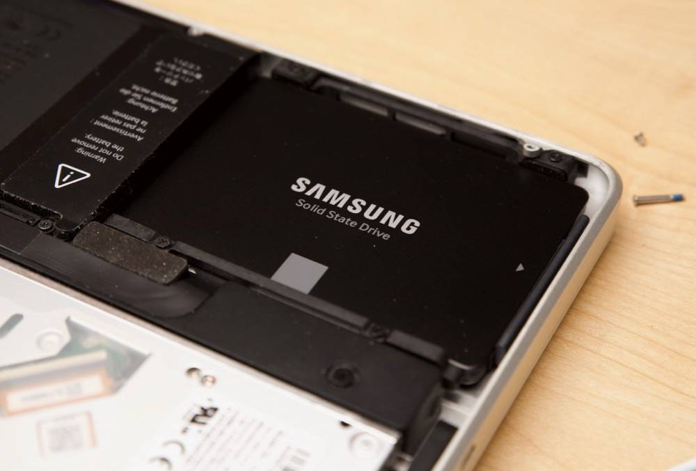 Replaced 5200 rpm hard drive HDD with Samsung 850 SSD in 2011 MacBook Pro